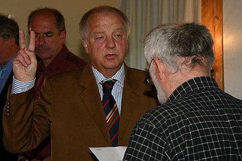 v.l. Bürgermeister Peter Koßmann, Jens Quedens