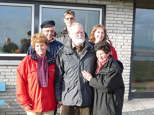 Erika und Peter Jürgensen, Nils Klahn und Frau (vorne), Ulf und Ineke Jürgensen