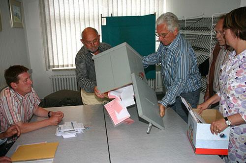 Auszählung der Stimmen in Norddorf