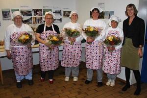 Birgit Schlerff mit ihrer Küchencrew