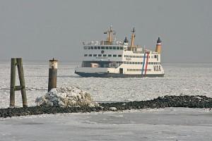 Immer noch beträchtliche Eismengen vor Wittdün...