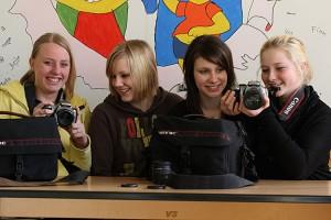 Einige WPK-Mitglieder freuen sich über die neuen Kameraausrüstungen