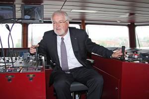 Wollte eigentlich auch zur See fahren, doch das Schicksal hat anders entschieden... Ministerpräsident Peter Harry Carstensen