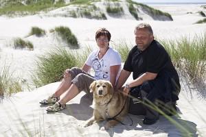 Silvia und Raimund Beerwerth mit Hund...