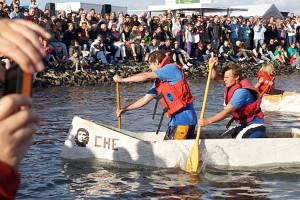 Die Sieger der diesjährigen Papierboot-Regatta