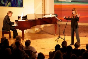 Katja Ebstein mit ihrem Pianisten Stefan Kling