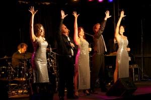 """""""Set Musical Company"""" unter der musikalischen Leitung von Axel Törber (li. am Schlagzeug)"""