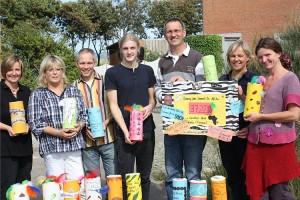Spendensammler mit Schulleiter Tadsen