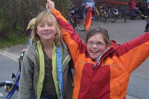 Paula und Magdalena freuen sich sehr über 3 Wochen Ferien...