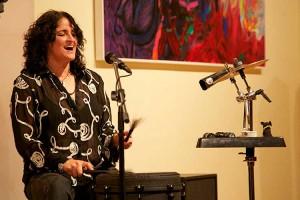 Beeindruckende Stimme, beeindruckendes Spiel...  Pam Delgado