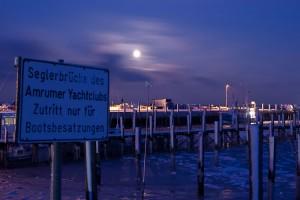 Gespenstische Stimmung am Seezeichenhafen...(Lückel)