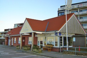 Sitz der AmrumTouristik am Fähranleger...