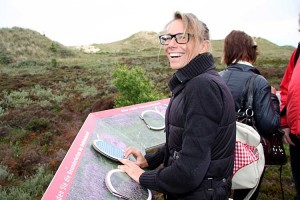 Kinka Tadsen, stellvertretende Vorsitzende des Öömrang Ferian an der Heideinformationsinsel...