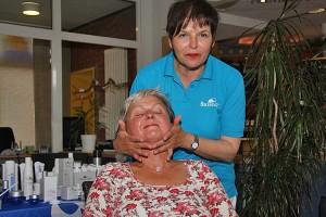 Kosmetikerin Ruth L. Moeller
