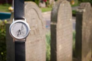 Uhr für einen guten Zweck...