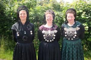 Die Degelation der Amrumer Trachtengruppe...Ute Feddersen-Hansen,Eike Paulsen und Christine Beyer