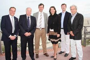 Dr. Tamara Zieschang mit den Inselbürgermeistern und Frank Timpe von der AT in Wittdün