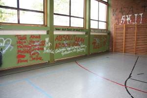 Die Turnhalle wurde nach der Räumung den Abschlussklassen zum Abschied überlassen.