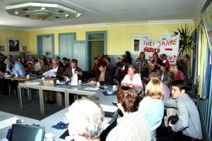 Der Sitzungsraum war prall gefüllt mit besorgten und gleichzeitig verärgerten Eltern