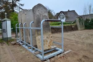 Auf gutem Weg - die Restaurierung der Grabsteine...