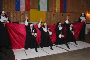 Wer sagt das Nonnen nicht gelenkig sind...