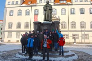 TSV-Kicker vor dem Luther Denkmal