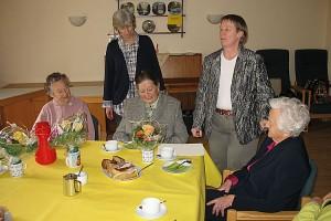 70 Jahre im Ortsverein Gerdina Willuhn (ganz rechts)