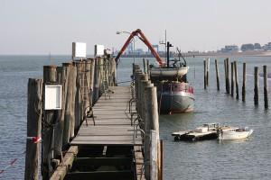 Die alte Brücke musste für die neuen Schwimmstege weichen...