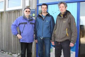 Jens Quedens mit Thomas Chrobock und Armin Jeß vor dem Carl Zeiss Naturzentrum