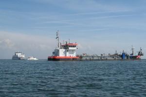 Ijsseldelta in der Hafeneinfahrt...