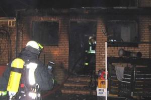 Die freiwillige Feuerwehr musste mehrmals zu zwei Bränden in einer Nacht ausrücken...