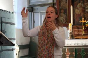 Anne-Sophie Bunk stimmte einen Kanon ein...