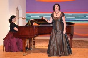Elnara Ismailova und Prof. Mechthild Georg