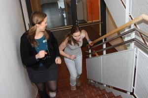 Fachkrankenschwester Nina Schulz-Ruhtenberg feuert Sina an...
