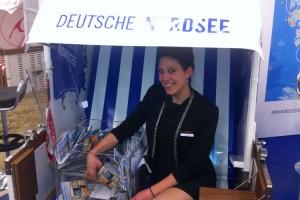 Glücksfee Martina Stähli bei der Ziehung der Gewinner...