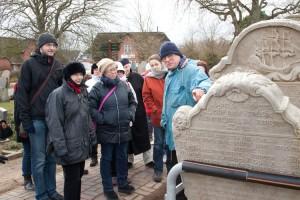 Dr. Ralf Simon erzählt über die historischen Grabsteine...