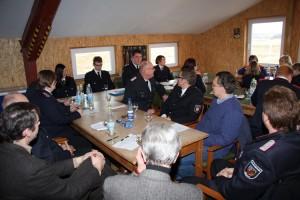 Zahlreiche Gäste aus Politik und Feuerwehr unterstrichen mit ihrer Anwesenheit die Wichtigkeit des Feuerwehrnachwuchses...
