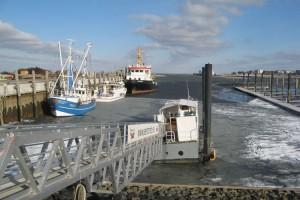 Nichts geht mehr im Seezeichenhafen - Seenotrettungskreuzer Vormann Leiss ist geflüchtet.