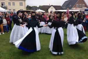 Bei den Lammtagen traditionell dabei... die Amrumer Jugend-Trachrengruppe