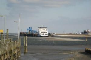 Starke Kiesbarre kurz vor dem Seezeichenhafen...
