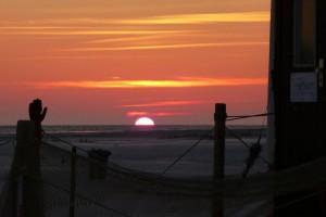 Tolle Sonnenuntergänge gehören jetzt zu dem von der AmrumTouristik organisierten Abendprogramm...