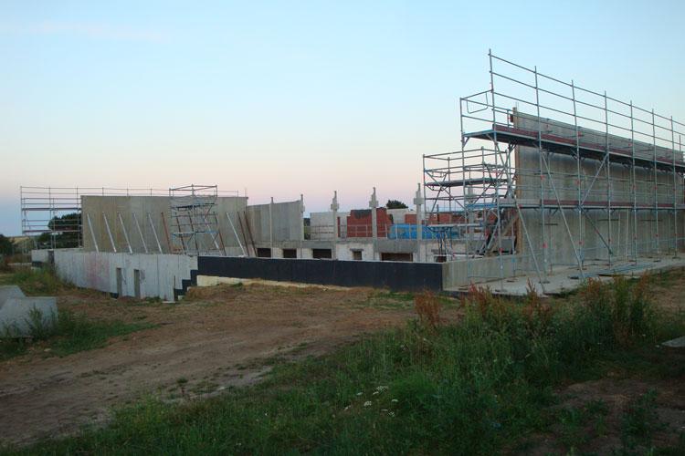 Keine Bauaktivität an der neuen Turnhalle...