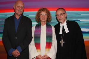 Frank Hansen und Friederike Heinecke mit dem Probst