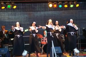 "Musik aus dem Musical ""Sister Act""..."