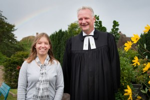 Anne Sophie Bunk und Pastor Georg Hildebrandt