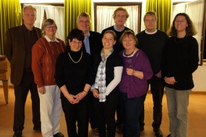 links: Pastor Georg Hildebrandt mit seinem Team