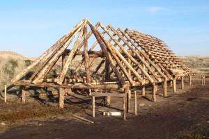 Das Ständerwerk mit Dachstuhl ist schon fast fertig