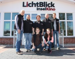 Ralf Thomsen und Chris Johannsen mit ihrem Team