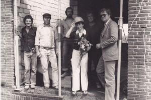 Grundsteinlegung zu ihrer Praxis in der Mittelstraße 39b. Mit dabei: Uwe Peters (mit Mütze) und rechts Mathias Theis als SWB-Berater - Foto. Rita Basty- Foto. Rita Basty