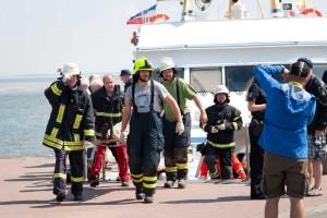 Die freiwilligen Feuerwehren der Insel unterstützten tatkräftig den Rettungsdienst...